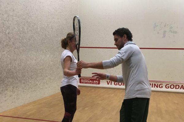 Squash, Michael Persson tränar en annan person
